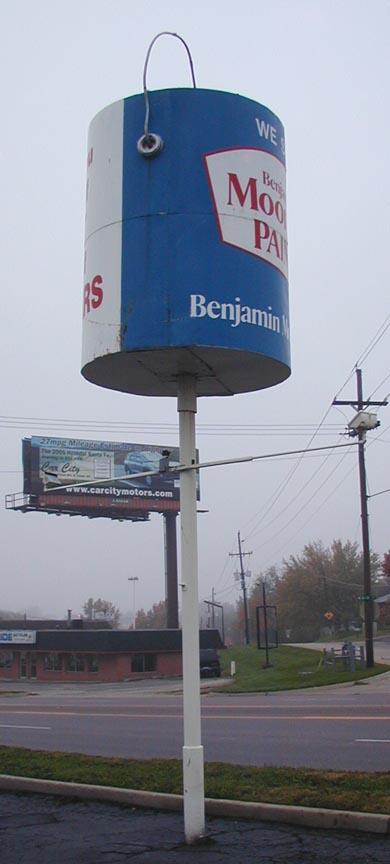 Giant Paint Cans | RoadsideArchitecture.com