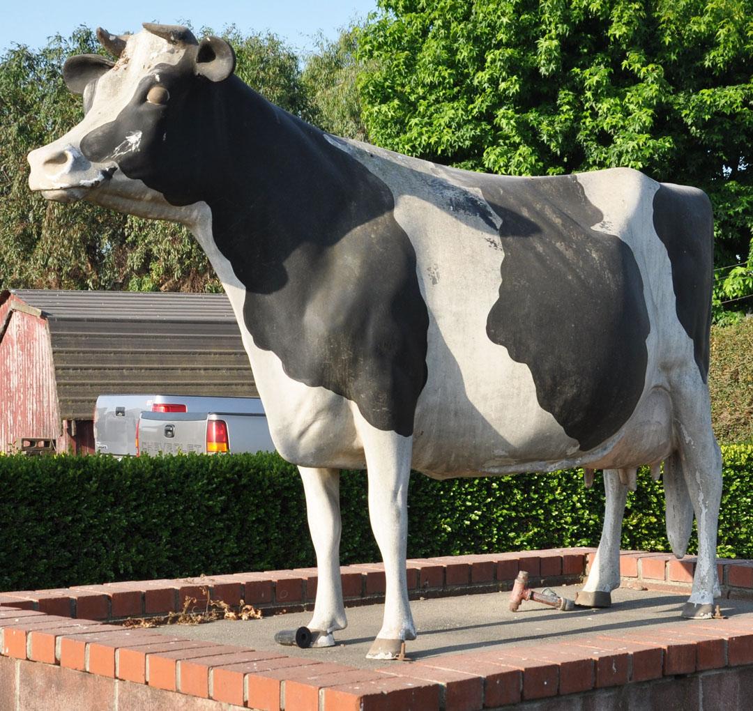 Cow Statues Roadsidearchitecture Com
